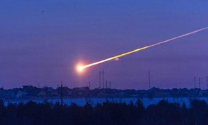 russian-meteor-strike-conspiracy-february-2013-small-300